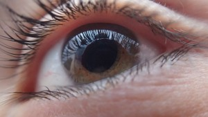 How to Prevent a Vitreous Tear from Developing into Retinal Detachment